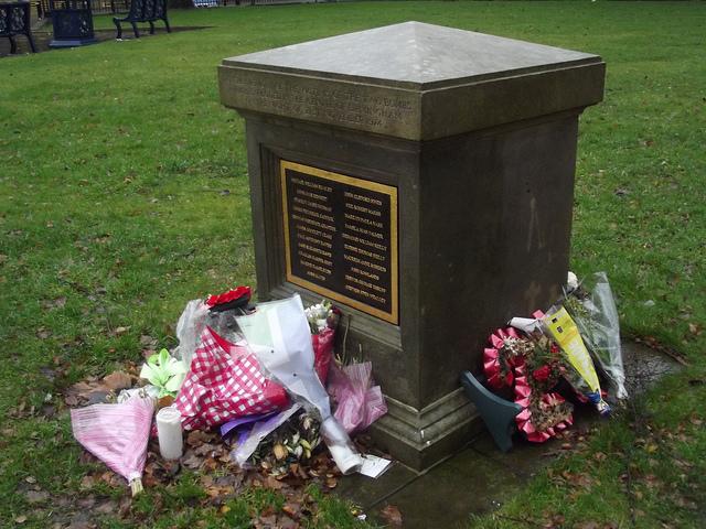 Birmingham-Pub-Bombing-memorial-St-Phillips