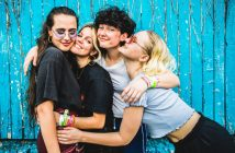 Hinds the band